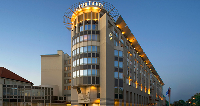 sheraton-warsaw  TOP 10 najlepsze hotele w Polsce sheraton warsaw