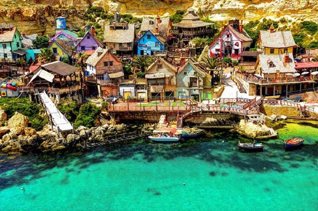 Najpiekniejsze-wioski-na-swiecie-popeye-village-malta  Najpiękniejsze wioski na świecie Najpiekniejsze wioski na swiecie popeye village malta