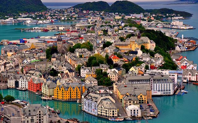 Podroze-10-jedynych-w-swoim-rodzaju-luksusowych-miejsc-na-swiecie-norwegia  Podróże: 10 jedynych w swoim rodzaju luksusowych miejsc na świecie Podroze 10 jedynych w swoim rodzaju luksusowych miejsc na swiecie norwegia