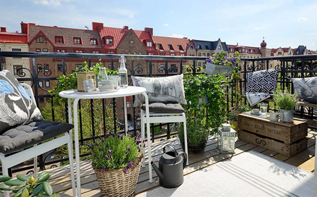 8-stylowych-pomyslow-jak-urzadzic-balkon-dodaj-roslinnosc  8 stylowych pomysłów jak urządzić balkon 8 stylowych pomyslow jak urzadzic balkon dodaj roslinnosc