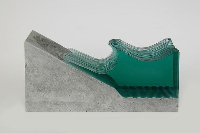 6Ben-Young-szklane-rzezby-inspirowane-falami-oceanu  Ben Young, szklane rzeźby inspirowane falami oceanu 6Ben Young szklane rzezby inspirowane falami oceanu
