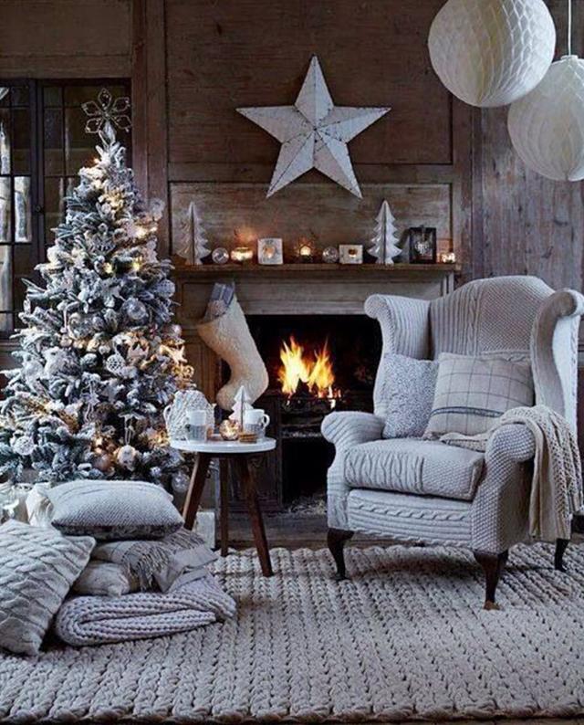 Swiateczne-dekoracje-modne-pomysly-do-salonu-biale  Świąteczne dekoracje- modne pomysły do salonu Swiateczne dekoracje modne pomysly do salonu biale