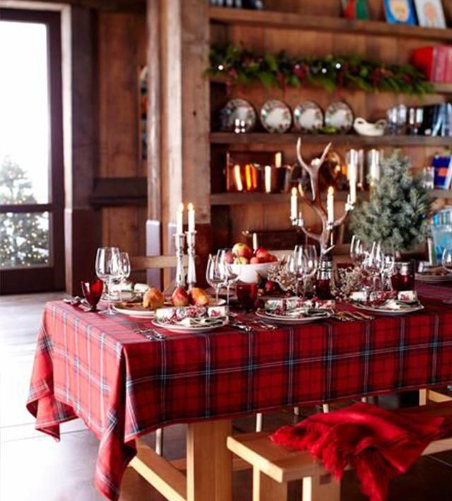 Swiateczne-dekoracje-modne-pomysly-do-salonu-czerwone3  Świąteczne dekoracje- modne pomysły do salonu Swiateczne dekoracje modne pomysly do salonu czerwone3