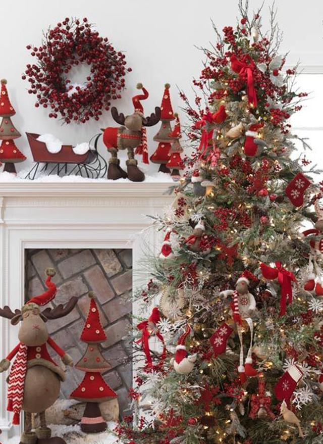 Swiateczne-dekoracje-modne-pomysly-do-salonu-czerwone7  Świąteczne dekoracje- modne pomysły do salonu Swiateczne dekoracje modne pomysly do salonu czerwone7