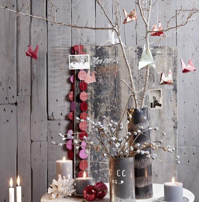 Swiateczne-dekoracje-modne-pomysly-do-salonu-czerwone8  Świąteczne dekoracje- modne pomysły do salonu Swiateczne dekoracje modne pomysly do salonu czerwone8