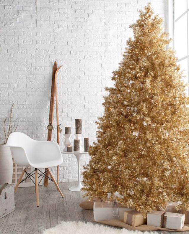 Swiateczne-dekoracje-modne-pomysly-do-salonu-zlote1  Świąteczne dekoracje- modne pomysły do salonu Swiateczne dekoracje modne pomysly do salonu zlote1