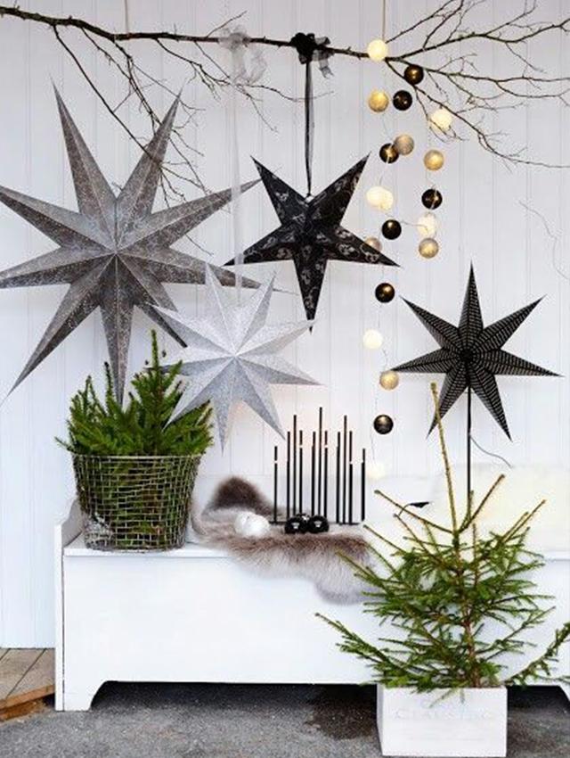 Swiateczne-dekoracje-modne-pomysly-do-salonu-zlote4  Świąteczne dekoracje- modne pomysły do salonu Swiateczne dekoracje modne pomysly do salonu zlote4