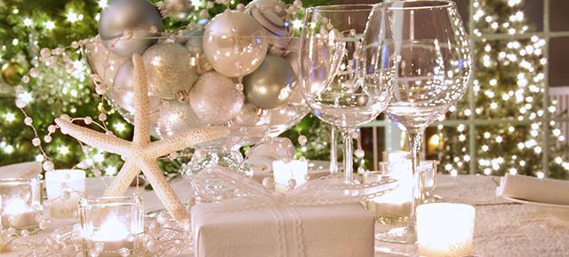 Świąteczne dekoracje- modne pomysły do salonu