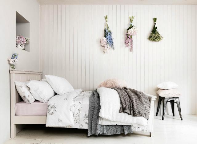 dom-wnetrze-sypialnie-w-stylu-skandynawskim-biale-sciany-2  10 pięknych sypialni w stylu skandynawskim dom wnetrze sypialnie w stylu skandynawskim biale sciany 2