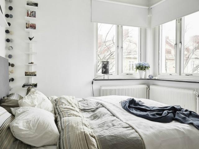 dom-wnetrze-sypialnie-w-stylu-skandynawskim-okno-1  10 pięknych sypialni w stylu skandynawskim dom wnetrze sypialnie w stylu skandynawskim okno 1