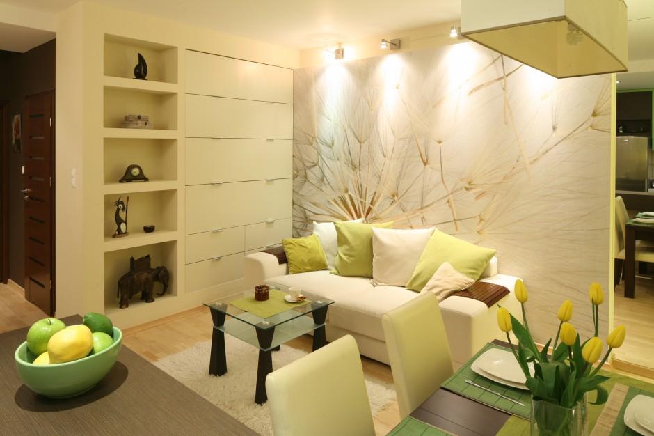 urządzamy małe pomieszczenia  Jak sprawić aby twój mały pokój wydawał się większy? maly salon 15 pomyslow architektow 3